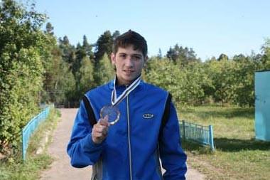 Выксунский лыжник Сергей Лукин стал чемпионом мира по лыжероллерам среди юниоров.
