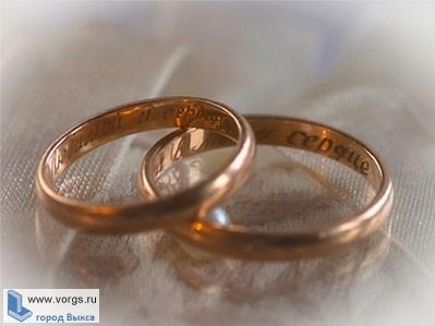 В Досчатом преступник украл обручальные кольца
