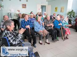 Епископ Варнава посетил в Выксунском доме-интернате престарелых и инвалидов