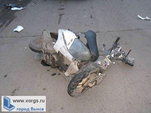 В Выксе скутерист не справился с управлением и опрокинулся в кювет