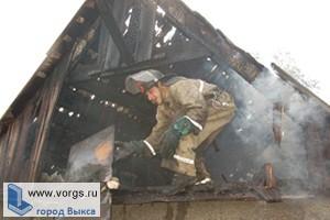 В поселке Ближнее Песочное округа Выкса сгорел дом