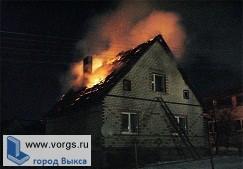 На улице Попова горел частный дом