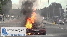 В Выксе загорелся автомобиль «Черри»