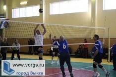 Ветераны из Выксы поучаствовали с областных соревнований по волейболу
