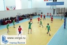 Спортсмены из Выксы завоевали второе место на турнире по волейболу